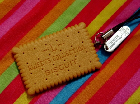 biscuit charm