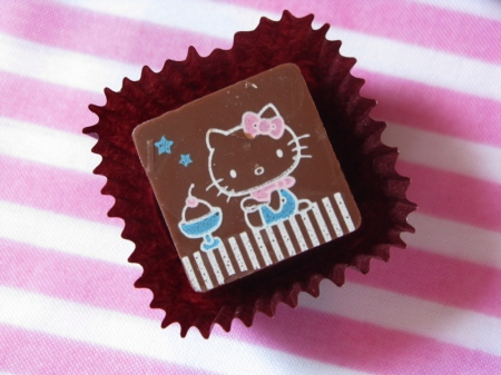 hello kitty chocolate
